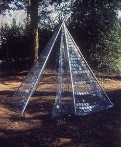 Wells Art Contemporary, by Rosie Leventon