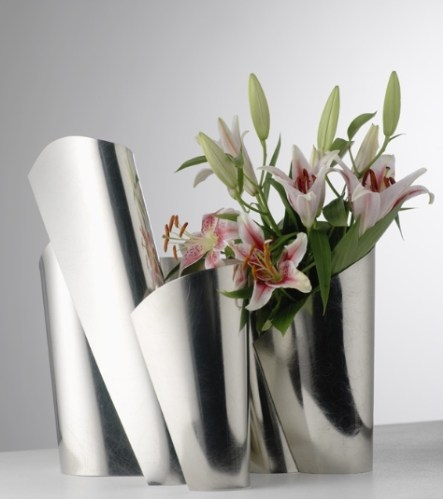 Architectural Curves Vessel