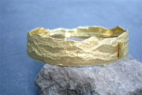 Torn Paper Bracelet in Gold