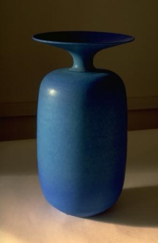 Blue porcelain cylinder bottle