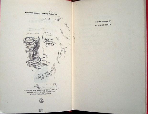 From the series «morituri te salutant» (bookworks)