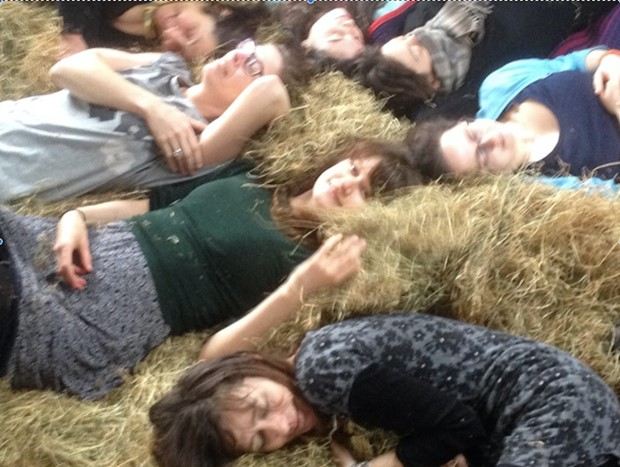 Come and Lie in the Hay !