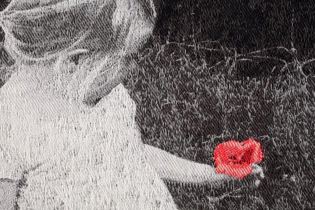 Held - Poppy