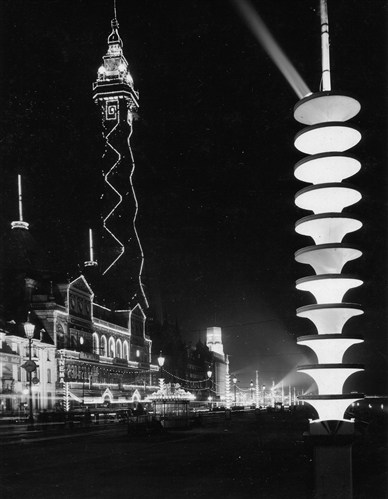 Re interpretation of the 1938 Fluted Pylon @ Blackpool Illuminations