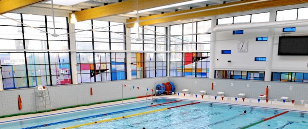 jubilee 2 health and wellbeing centre swimming pool glazing screen newcastle under lyme
