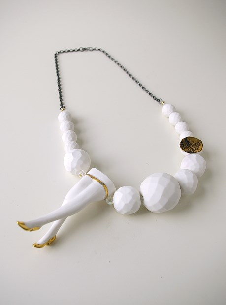 Luscious Legs (Large Faceted Necklace)