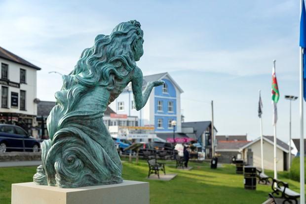 Gwyntoedd Teg a Moroedd Tawel / Fair Winds and Following Seas