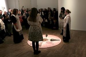 Minnesritualen / memorialritual, by L C Persson