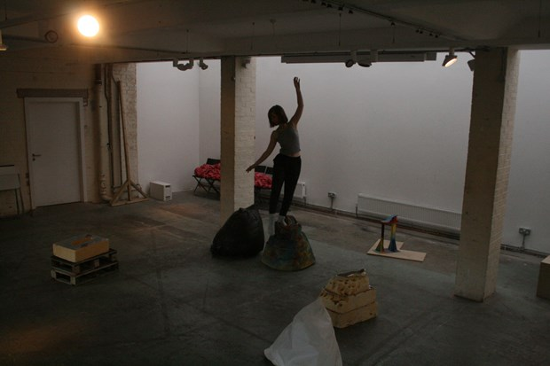 'Playful Menace' dance/sculpture R&D for Guest Projects (with Sarah Adams)