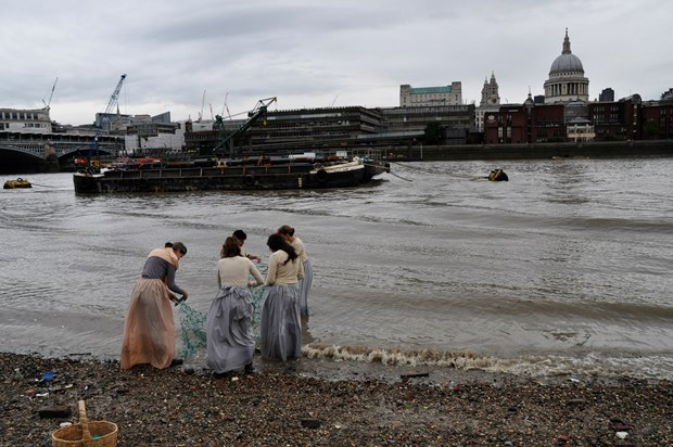 'Tied' on the Thames